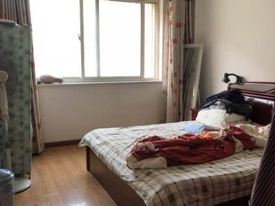 古寨中小学学区房洪福庄园2楼3室2厅1卫大草厦97平126万