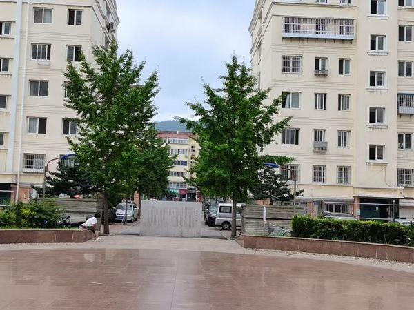 出售寨子生活区3室2厅2卫144平米136万住宅