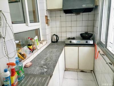 出租威海市朝阳小区二期北装修房拎包入住1000元/月