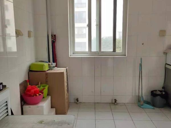 银翔新村框架房东边户79平可改三室,全明通透装修无税看房方便