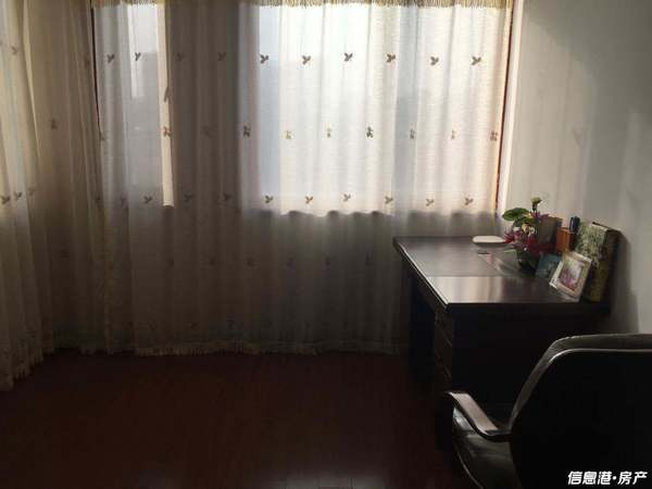 出租海源府第3室2厅1卫126平米3000元住宅