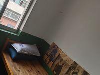 出租财富广场3室1厅1卫80平米260元/月住宅
